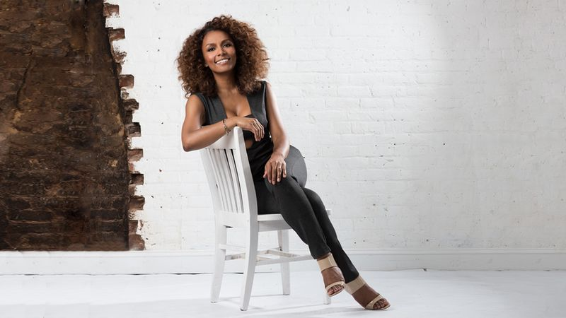 QueerEvents.ca-JanetMock-Profile